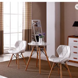 комплект бяла маса със столове с букови крака